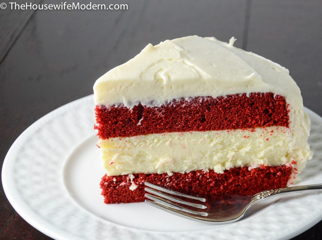 Cake Red Velvet White Chocolate : Layered Red Velvet and White Chocolate Cheesecake