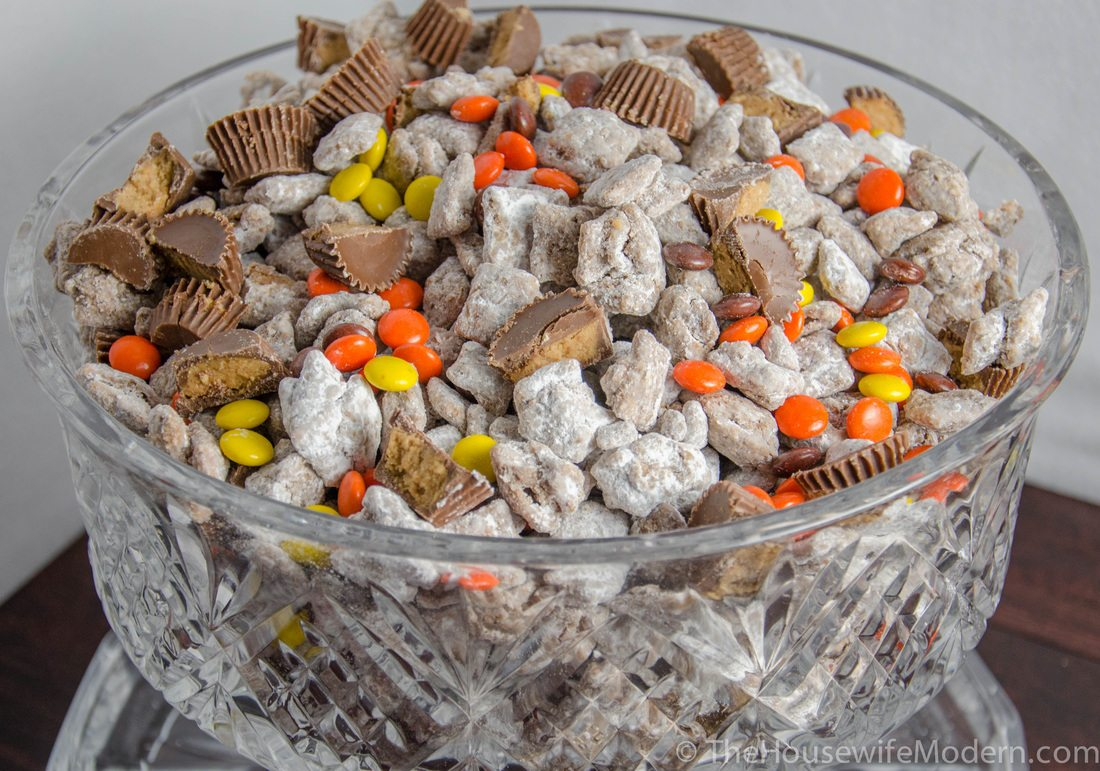 Reese's Peanut Butter Puppy Chow. A dash of Reese's pieces. Muddy buddies made with peanut butter, milk chocolate, and peanut butter chips. Heaven.