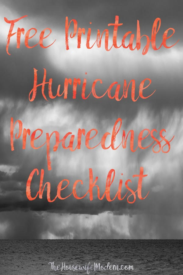Free Printable Hurricane Preparedness Checklist. And emergency preparedness tips. What you need to do to prepare for a hurricane. #free #printable #hurricane #hurricaneprepare #hurricanepreparedness