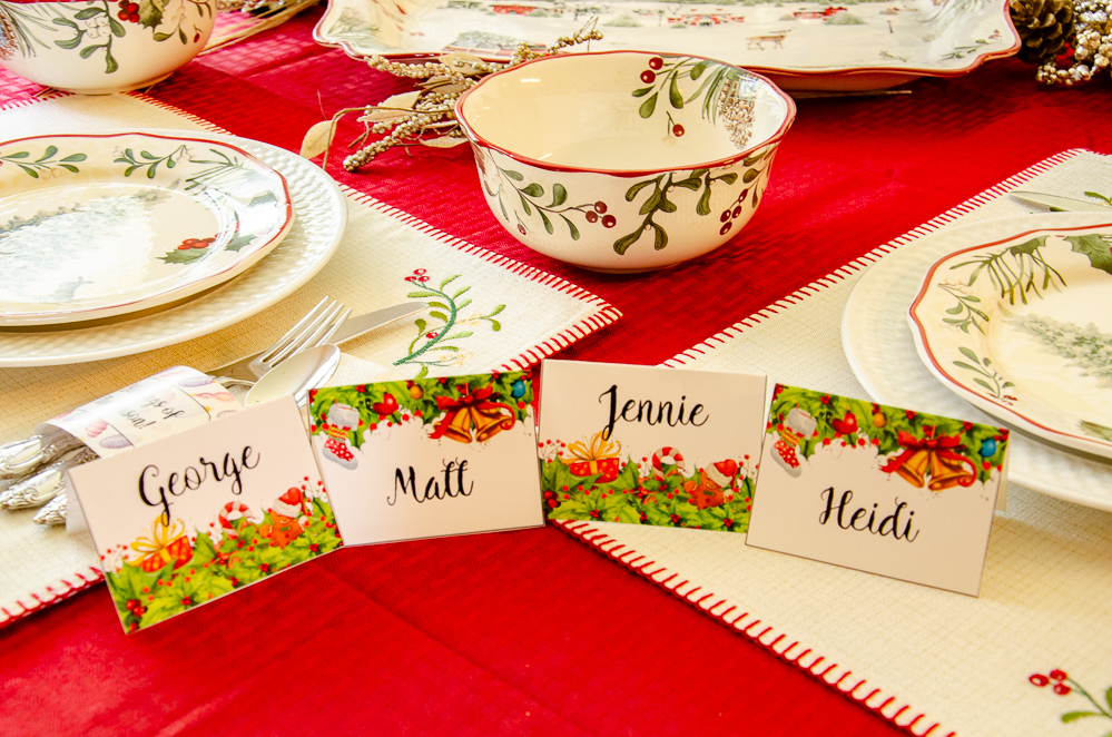 Free printable Christmas Place Cards. Cranberry Vanilla Coke-tail Plus Free Christmas Table Printables! Delicious drink recipe and free printable napkin rings and table place cards. #christmas #christmasprintables #printable #freeprintable #Coketail #GiftACoke #ad